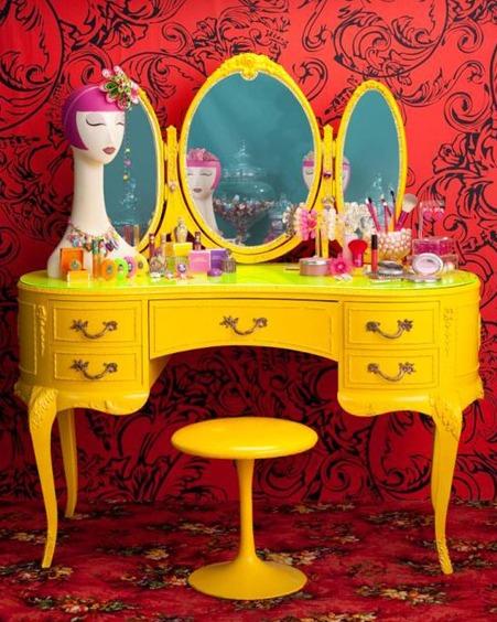 Penteadeira-vintage-amarela