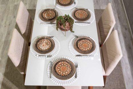 Mesa de Jantar Liv 180 Off-White com Vidro